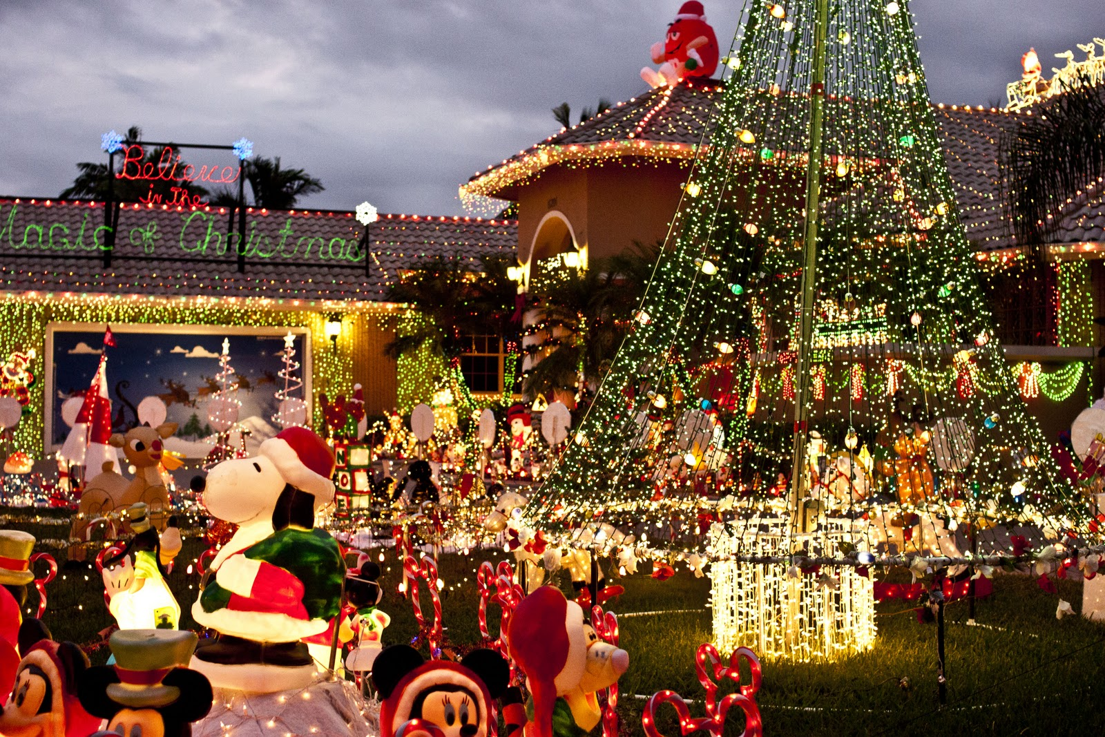 The Christmas Lights Go Out In Florida Christmas Weekly