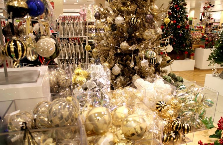John Lewis Christmas Shop Opens to Near Riot Conditions